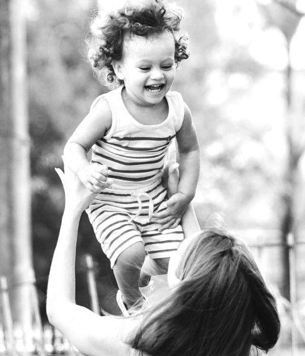 moeder en kind Greetje Komdeur
